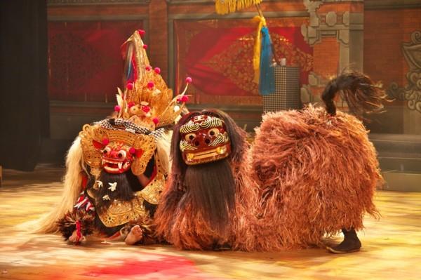 踊るしま バリと琉球